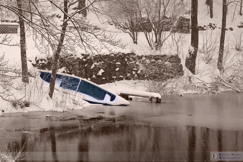 Blue-Canoe-in-Assabet-HP_14E7391