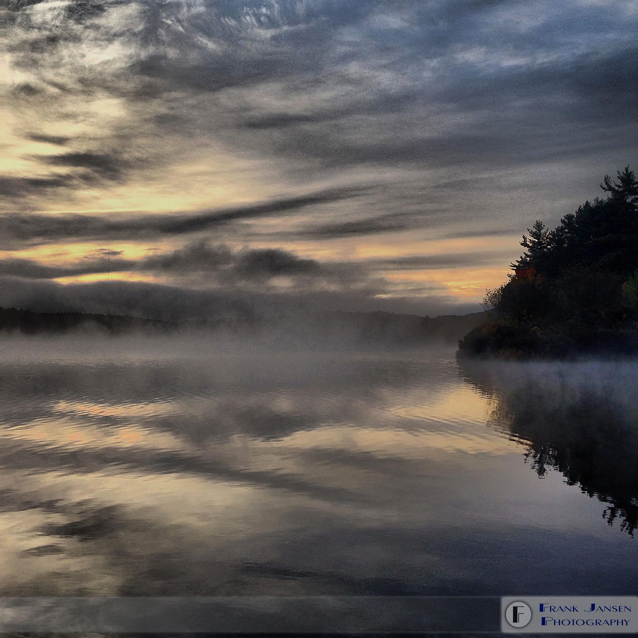 wachusett-reservoir-in-fog-img_2394-orig