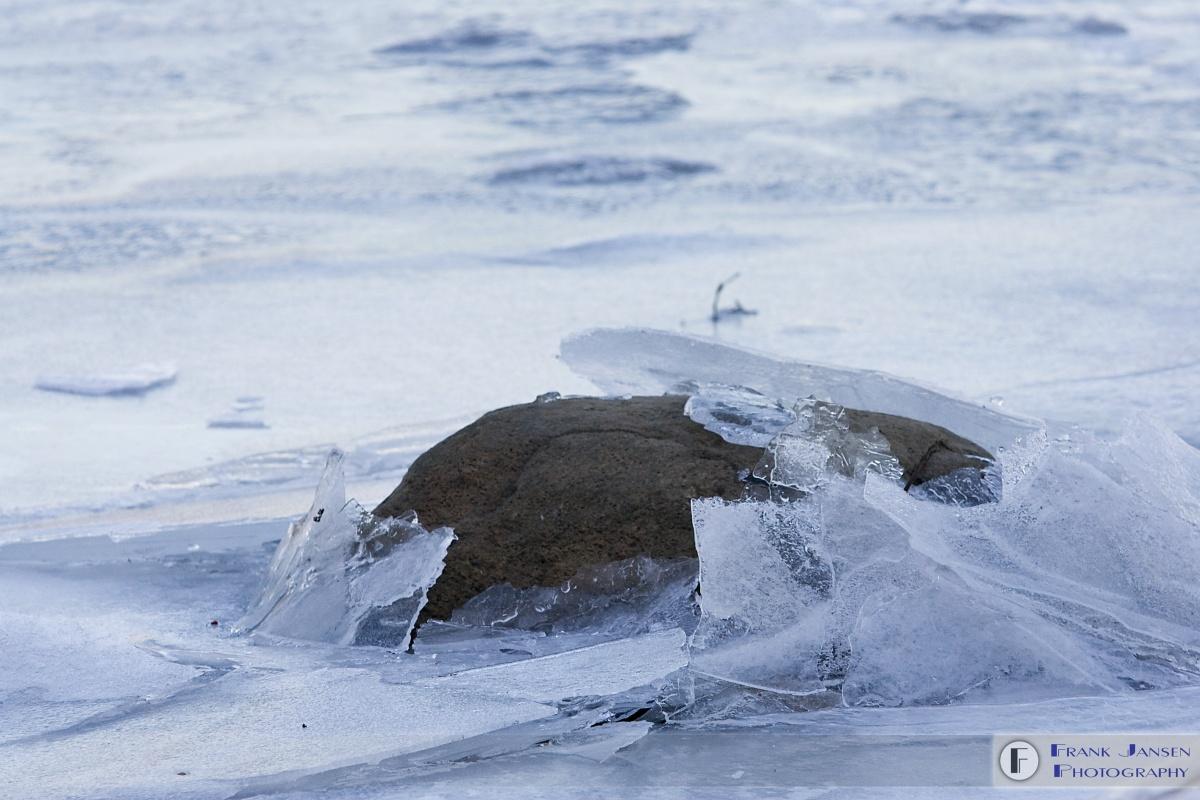 20070129-deep-river-ice-flow-lp2p8514