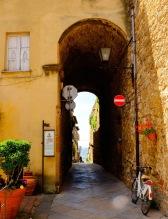 Pienza Alley