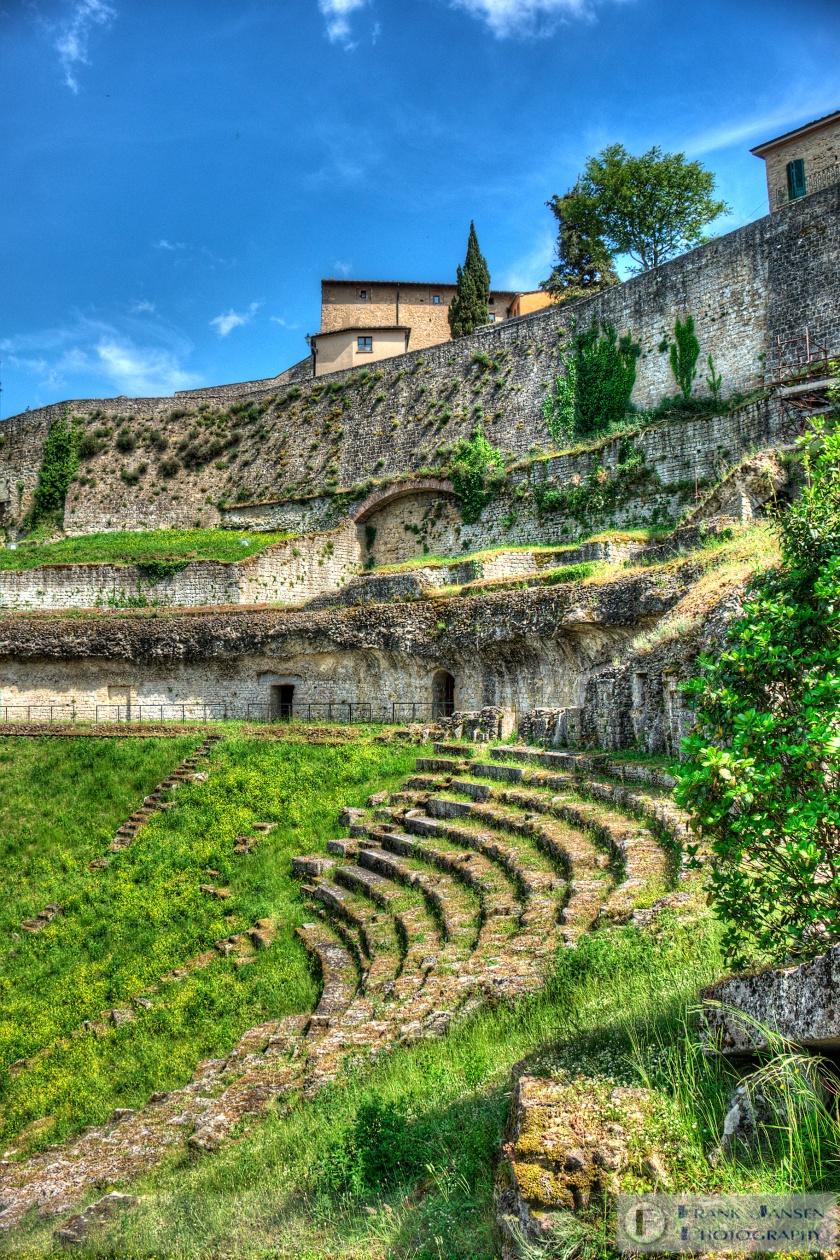 20170522-Volterra-Amphitheatre_DSF1485_6_7